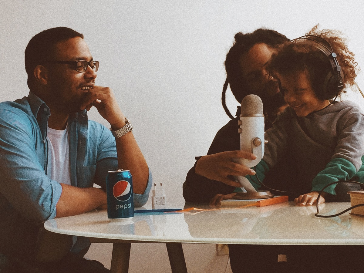 20+ Best Business Podcasts for You to Learn in 2021