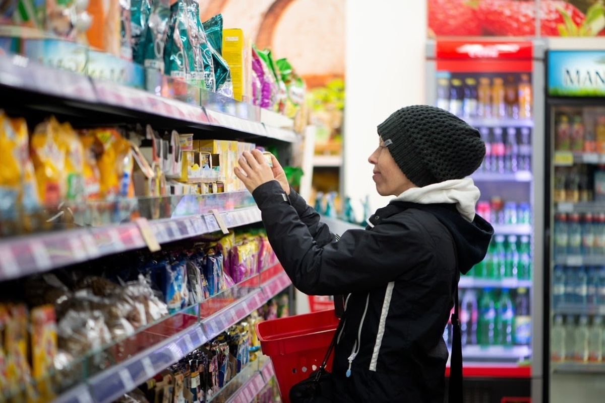 What is Merchandising? 7 Strategies to Boost your Sales