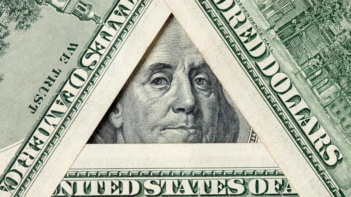 Pyramid schemes vs. network marketing